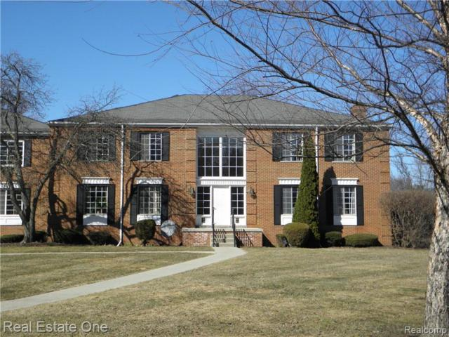 612 E Fox Hills Drive, Bloomfield Twp, MI 48304 (#219031689) :: The Buckley Jolley Real Estate Team
