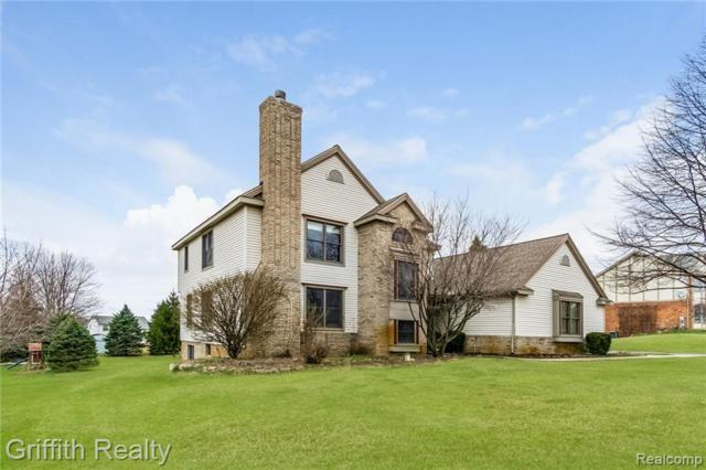 1955 Clover Ridge Drive, Hartland Twp, MI 48843 (#219031778) :: The Mulvihill Group