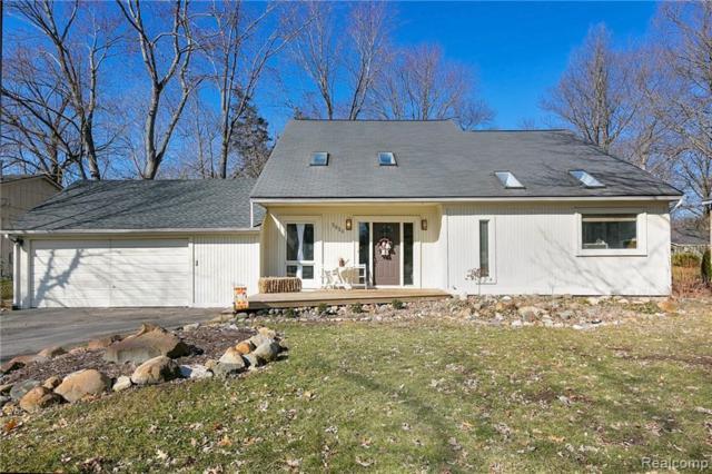 3810 Fieldview Avenue, West Bloomfield Twp, MI 48324 (#219032255) :: The Buckley Jolley Real Estate Team