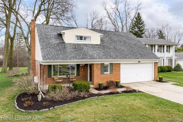 19870 Hickory Leaf Street, Southfield, MI 48076 (#219033361) :: Alan Brown Group