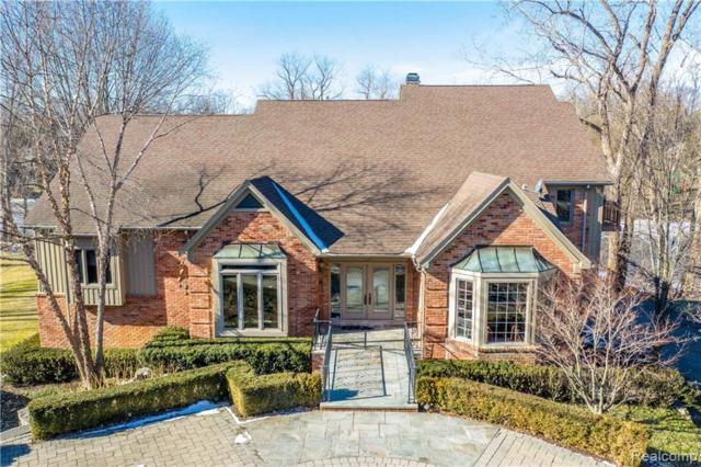 2076 Shore Hill Court, West Bloomfield Twp, MI 48323 (#219033702) :: RE/MAX Classic