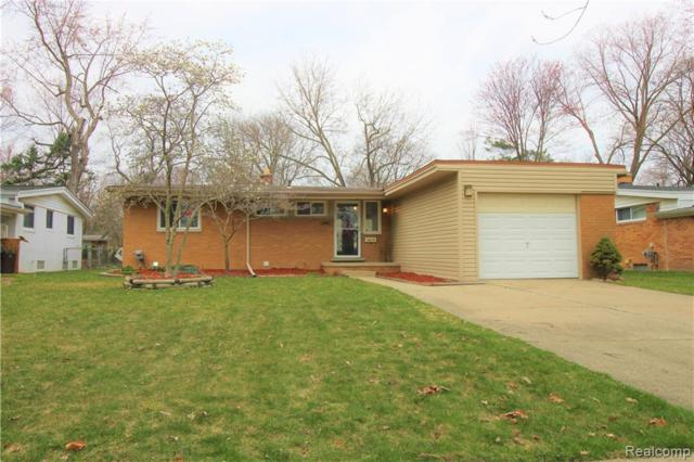 1659 Witherbee Drive, Troy, MI 48084 (#219034707) :: Alan Brown Group