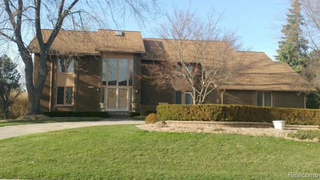 2106 Coach Way Court, West Bloomfield Twp, MI 48302 (#219034717) :: The Buckley Jolley Real Estate Team