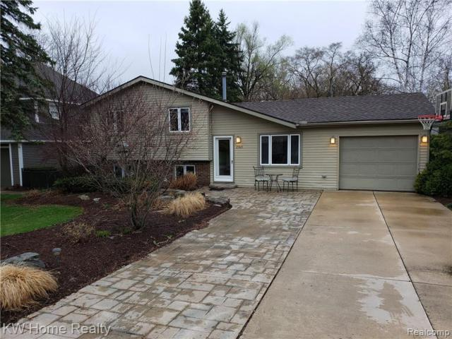 2140 Wycliffe Ave., West Bloomfield Twp, MI 48323 (#219035548) :: RE/MAX Classic