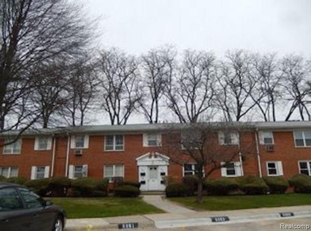 7000 Town Lane, Dearborn Heights, MI 48127 (#219035560) :: The Buckley Jolley Real Estate Team