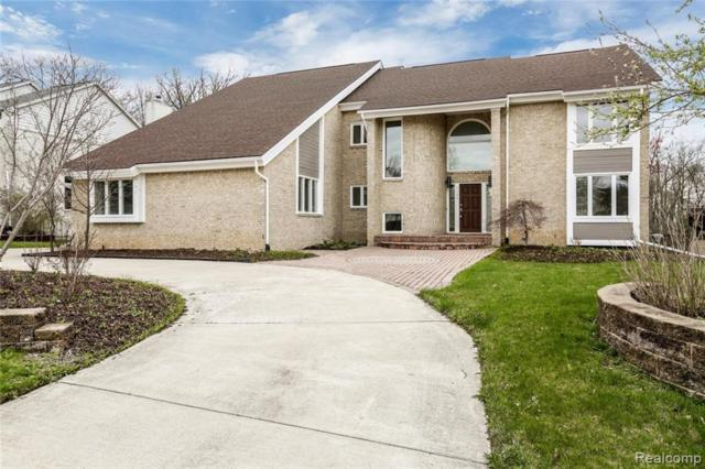 6123 Oak Trail, West Bloomfield Twp, MI 48322 (#219037427) :: Team Sanford