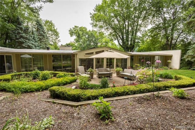 3788 Crestlake Drive, Bloomfield Twp, MI 48304 (#219040457) :: The Buckley Jolley Real Estate Team