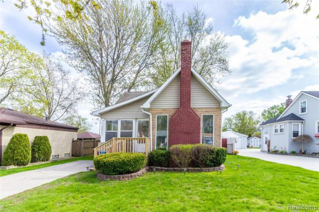 22632 Lake Boulevard, Saint Clair Shores, MI 48082 (MLS #219041624) :: The Toth Team