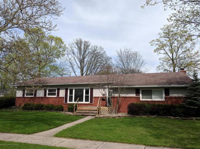 2717 Bedford Road, Lansing Twp, MI 48911 (MLS #630000236244) :: The Toth Team