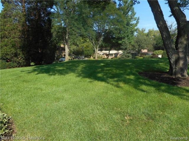 134 E Hickory Grove Road, Bloomfield Hills, MI 48304 (#219042576) :: RE/MAX Classic