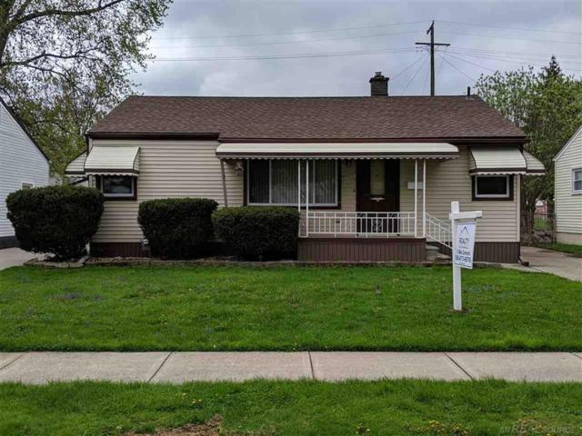 22612 Francis Street, Saint Clair Shores, MI 48082 (MLS #58031379501) :: The Toth Team