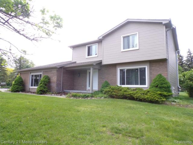 6401 Chestnut Hill Court, Independence Twp, MI 48346 (#219043860) :: RE/MAX Classic