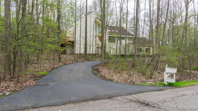 2949 Shannon Drive, Oakland Twp, MI 48363 (#219044479) :: The Alex Nugent Team | Real Estate One