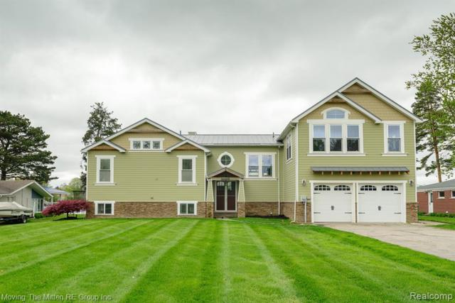 45401 Harmony Lane, Van Buren Twp, MI 48111 (MLS #219045597) :: The Toth Team