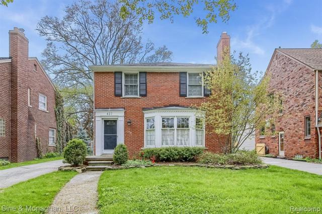 427 Maison Road, Grosse Pointe Farms, MI 48236 (MLS #219045626) :: The Toth Team