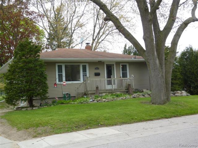 3511 Walnut Street, Port Huron, MI 48060 (MLS #219046133) :: The Toth Team