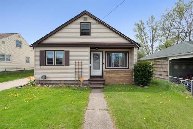 2021 Victor Avenue, Lansing, MI 48910 (#630000236654) :: The Alex Nugent Team | Real Estate One