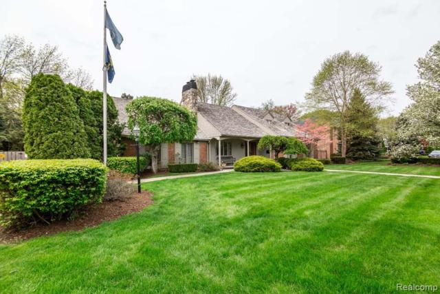963 Sunningdale Drive, Grosse Pointe Woods, MI 48236 (#219046556) :: The Mulvihill Group
