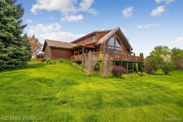 4500 Rebecca Lane, White Lake Twp, MI 48383 (MLS #219046571) :: The Toth Team