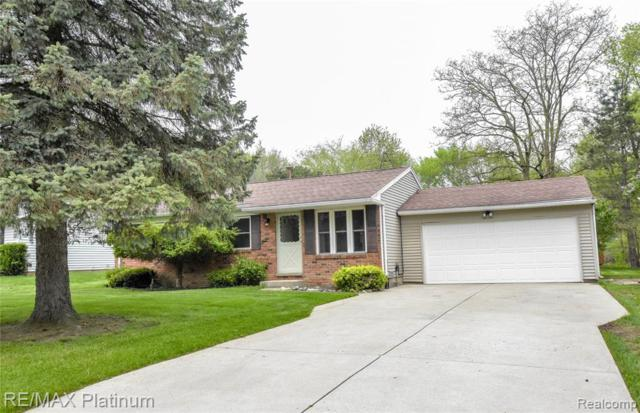 221 W Peterson Drive, Hartland Twp, MI 48114 (MLS #219046592) :: The Toth Team