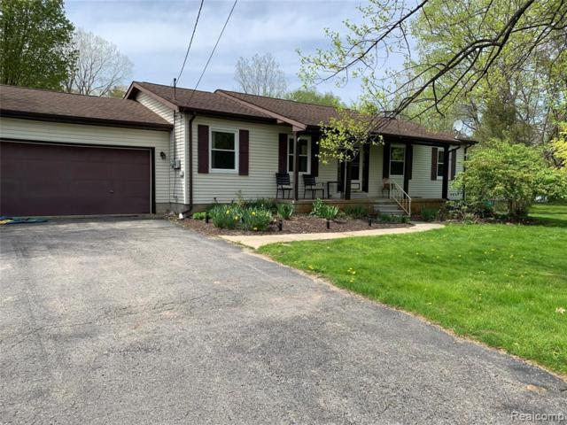 5112 N River Road, Clyde Twp, MI 48049 (MLS #219046659) :: The Toth Team