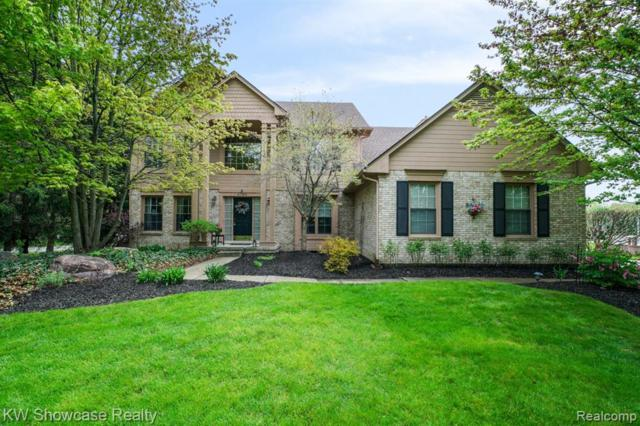 2789 Parkwick Court, West Bloomfield Twp, MI 48324 (MLS #219047320) :: The Toth Team