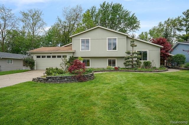 1170 Beachland Boulevard, Waterford Twp, MI 48328 (#219047359) :: The Alex Nugent Team | Real Estate One