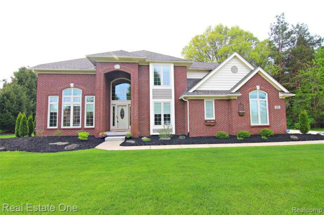 441 Gleneagles, Highland Twp, MI 48357 (#219047734) :: Duneske Real Estate Advisors