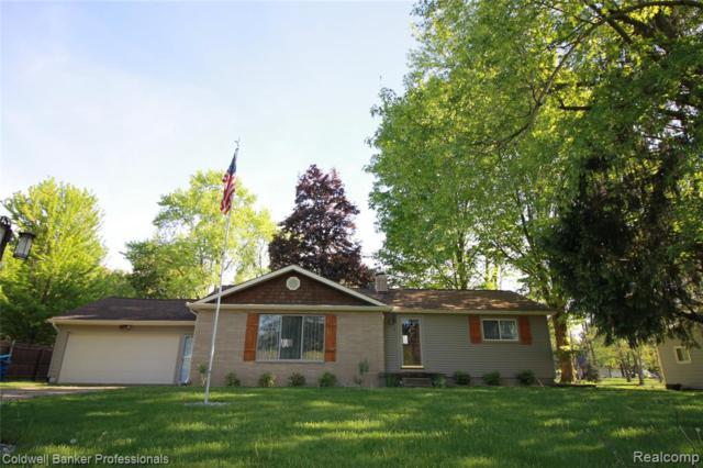 6479 Silver Lake Road, Fenton Twp, MI 48451 (#219048354) :: The Buckley Jolley Real Estate Team