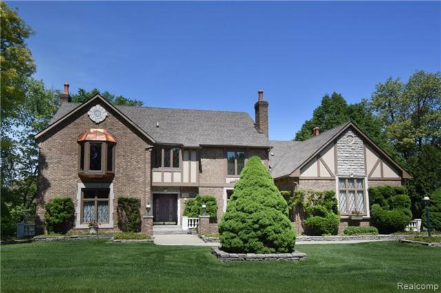 3310 Greenspring Lane, Rochester Hills, MI 48309 (#219048426) :: The Buckley Jolley Real Estate Team