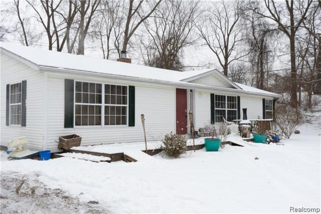 3048 Mccormick Drive, Waterford Twp, MI 48328 (MLS #219048497) :: The Toth Team