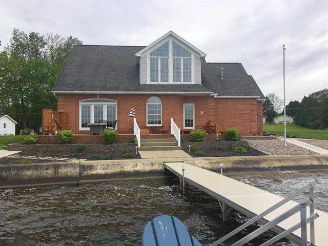 125 Lakeside Dr, Quincy Twp, MI 49082 (MLS #62019022442) :: The Toth Team