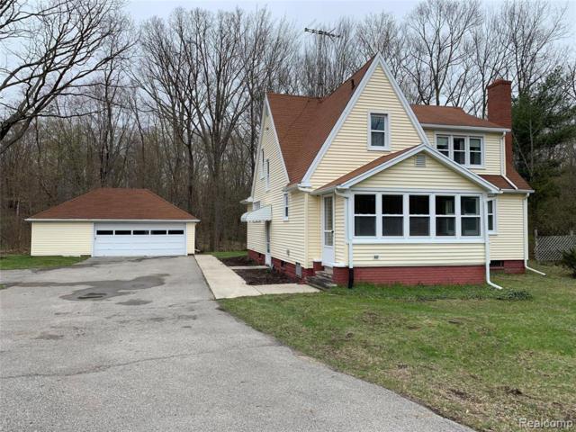 5732 Lapeer Road, Kimball Twp, MI 48074 (#219048716) :: The Buckley Jolley Real Estate Team