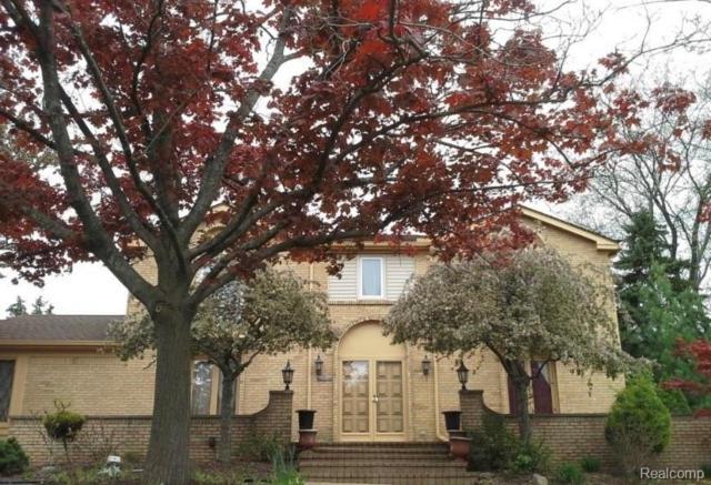 4921 Watergate Road, West Bloomfield Twp, MI 48323 (#219048762) :: The Buckley Jolley Real Estate Team