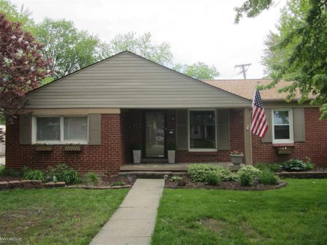 27716 Grant Street, Saint Clair Shores, MI 48081 (#58031381078) :: Duneske Real Estate Advisors