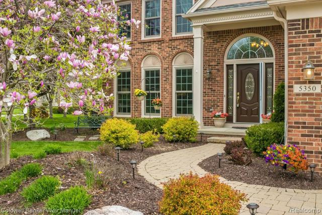 5350 Midchester Court, West Bloomfield Twp, MI 48324 (MLS #219048925) :: The Toth Team