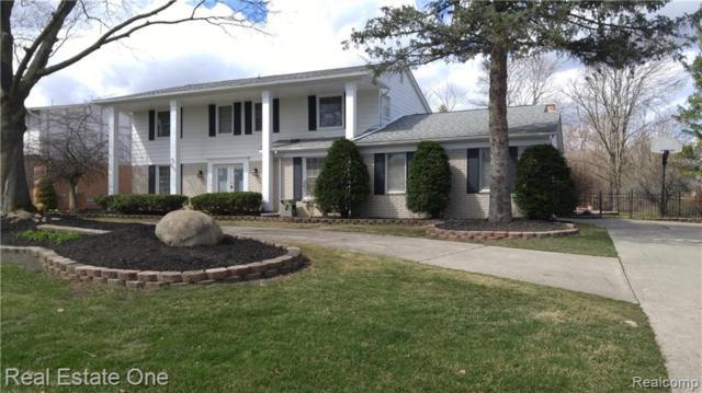 6051 Cherry Crest Drive, West Bloomfield Twp, MI 48322 (#219049131) :: RE/MAX Classic
