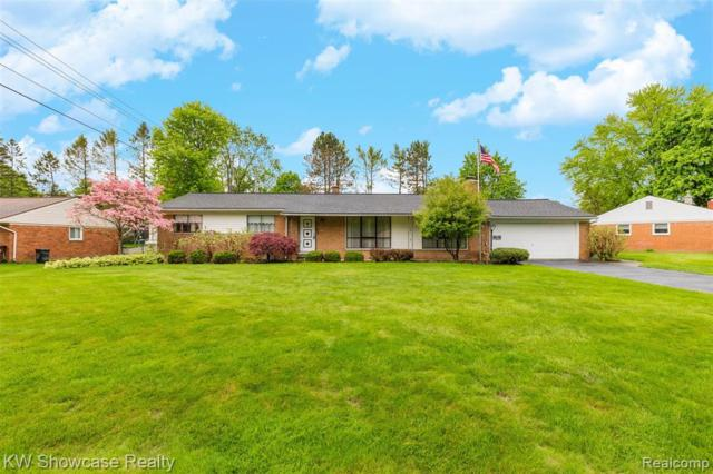 1910 Twilight Hill Court, Commerce Twp, MI 48390 (MLS #219049150) :: The Toth Team