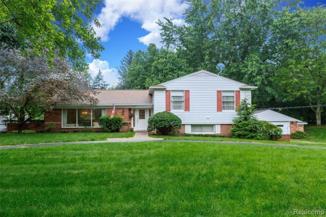 26069 Shelly Lynn Court, Franklin Vlg, MI 48025 (#219049159) :: The Buckley Jolley Real Estate Team