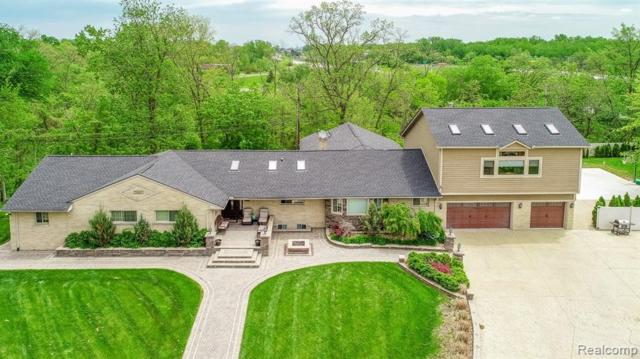 21300 Hickorywood Court, Dearborn Heights, MI 48127 (#219049201) :: RE/MAX Classic