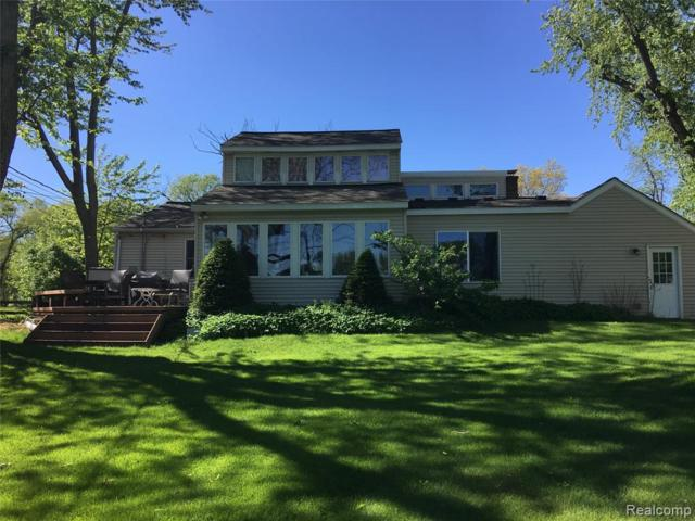 4621 Forest Ave Avenue, Waterford Twp, MI 48328 (#219049244) :: RE/MAX Classic