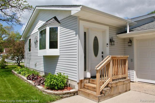 4650 Glenalda Drive, Independence Twp, MI 48346 (#219049286) :: The Alex Nugent Team | Real Estate One