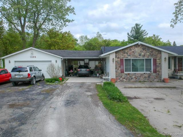 1288 40TH Street, Port Huron Twp, MI 48060 (#219049726) :: The Buckley Jolley Real Estate Team
