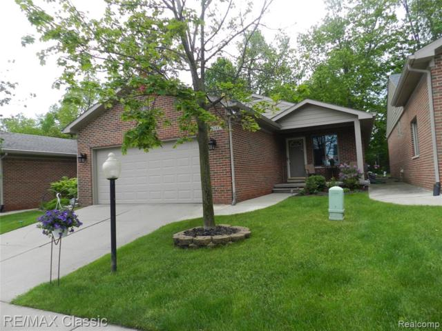 548 Willow Drive, South Lyon, MI 48178 (#219050144) :: The Alex Nugent Team | Real Estate One