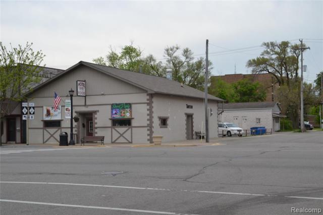 145 W Cedar Avenue, Gladwin, MI 48624 (#219051092) :: The Buckley Jolley Real Estate Team