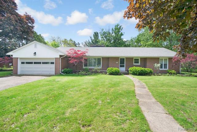 333 Inverness Street, Howell, MI 48843 (#219051461) :: The Buckley Jolley Real Estate Team