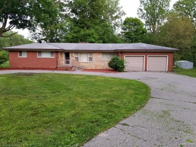 1201 Gilbert Street, Flint Twp, MI 48532 (MLS #219052081) :: The Toth Team