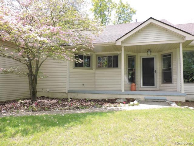 5265 Hickory Ridge Road, Highland Twp, MI 48442 (#219052086) :: The Alex Nugent Team | Real Estate One