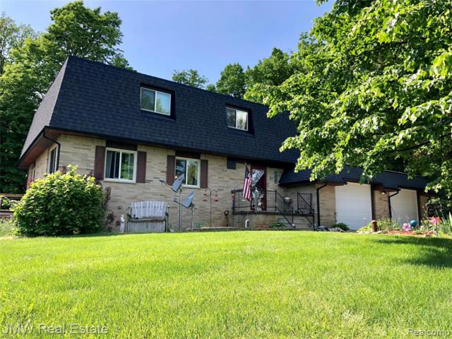 7076 Center Road, Watertown Twp, MI 48744 (#219052861) :: The Mulvihill Group