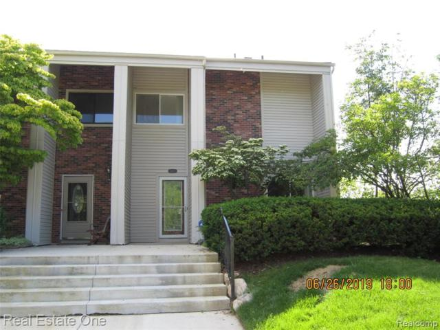 6112 Palomino Court, West Bloomfield Twp, MI 48322 (#219052933) :: KNE Realty 360